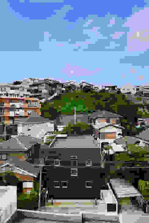 松岡淳建築設計事務所 Casas de estilo moderno