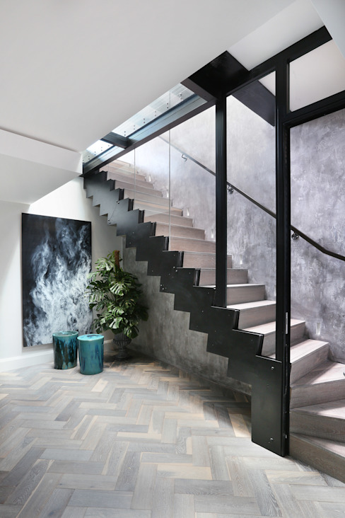 Luxury London penthouse Modern corridor, hallway & stairs by Alex Maguire Photography Modern