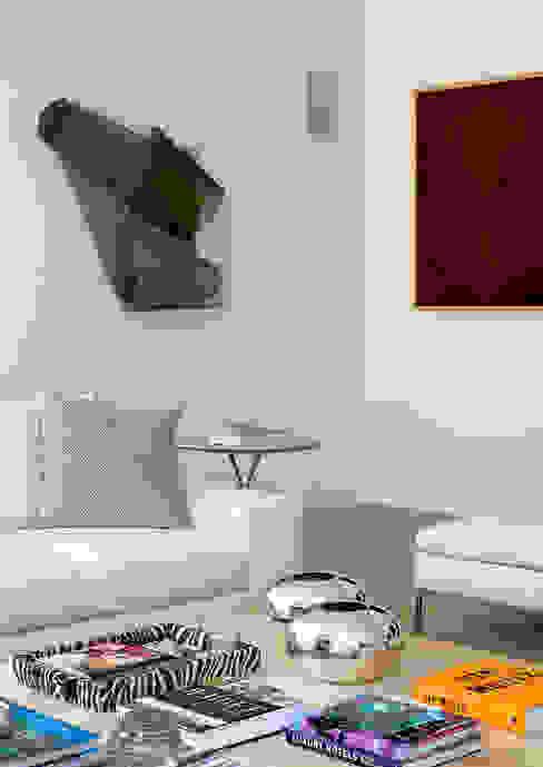 Living room by CSDA Arquitetura e Interiores