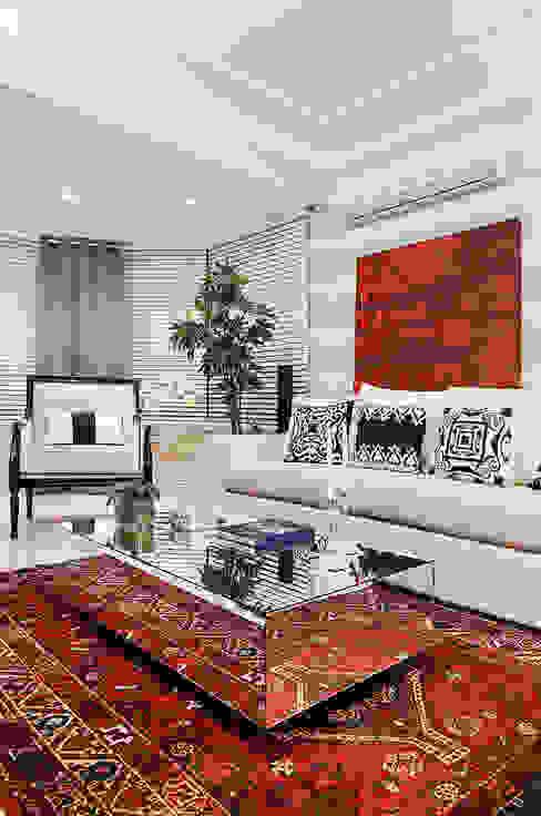 Living em Preto Branco e Cinza Salas de estar modernas por marli lima designer de interiores Moderno