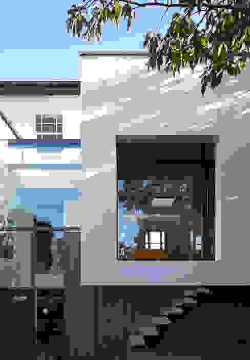 Cut & Fold Modern houses by Ashton Porter architects Modern