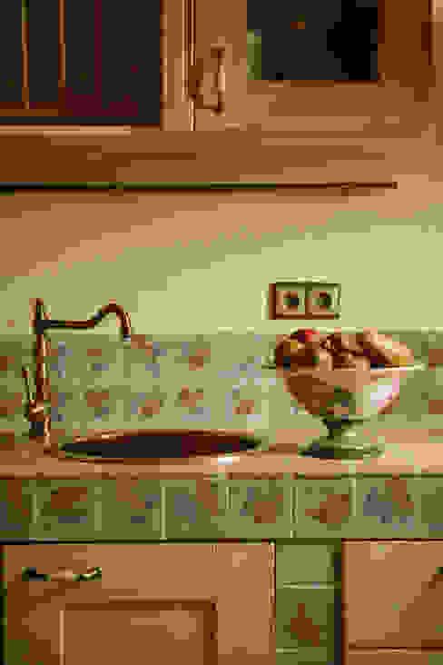 Дом из сруба, Ново-Рижское шоссе от Amazing Studio Светланы Панариной Рустикальный