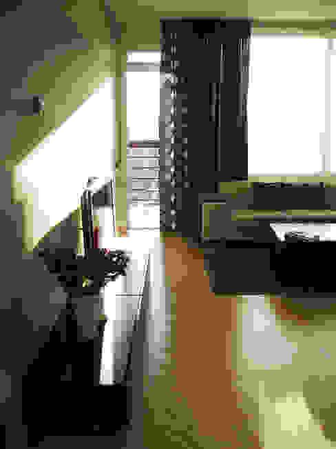 Квартира по финским лекалам: Гостиная в . Автор – Format A5 Fontanka,