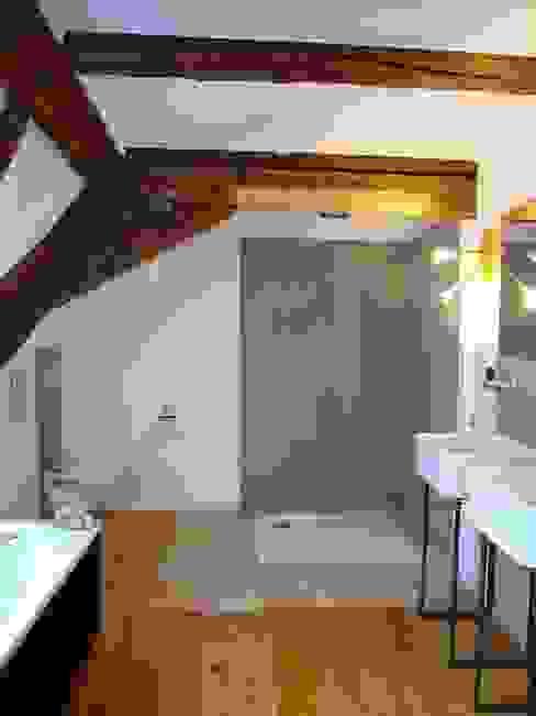 Wohnhaus ET Minimalistische Badezimmer von plan.G [innenarchitekten] Minimalistisch
