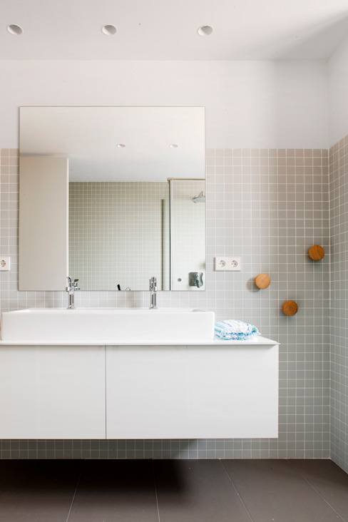 Minimalistyczna łazienka od A! Emotional living & work Minimalistyczny