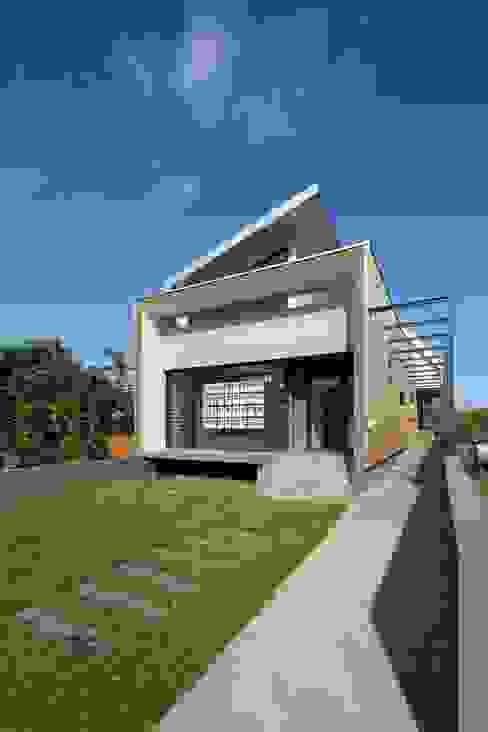 LITTORAL IMMOBILIER Maisons tropicales par T&T architecture Tropical
