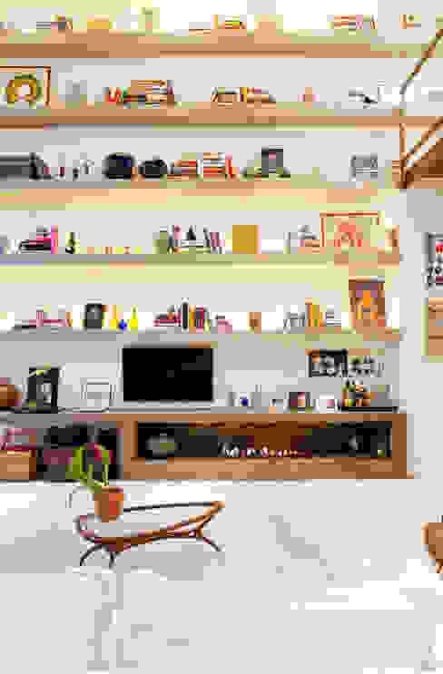 Salones de estilo moderno de PAULA BITTAR ARQUITETURA Moderno