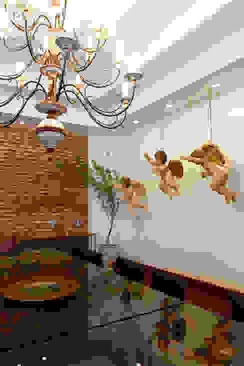 Salle à manger de style  par Andréa Calabria Arquitetura