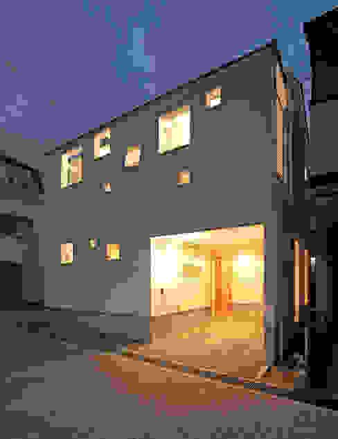 田崎設計室 Casas modernas