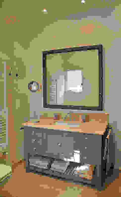 meuble vasque de salle de bain Salle de bain classique par FLEURY ARCHITECTE Classique