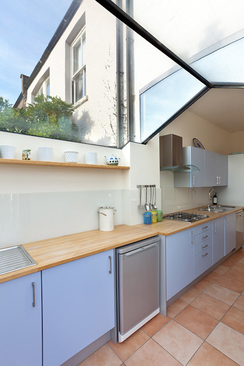 Glazed link to outhouse in Dulwich Country style kitchen by Circumflex Chartered Architects Country