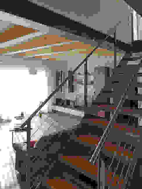 Couloir et hall d'entrée de style  par hwp ARCHITEKTEN AG, Éclectique