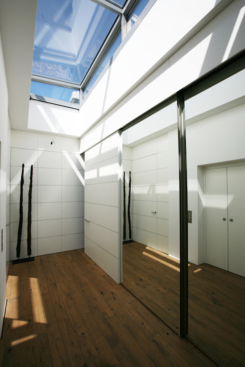 Moderne gangen, hallen & trappenhuizen van Kiebitzberg® Gruppe Modern