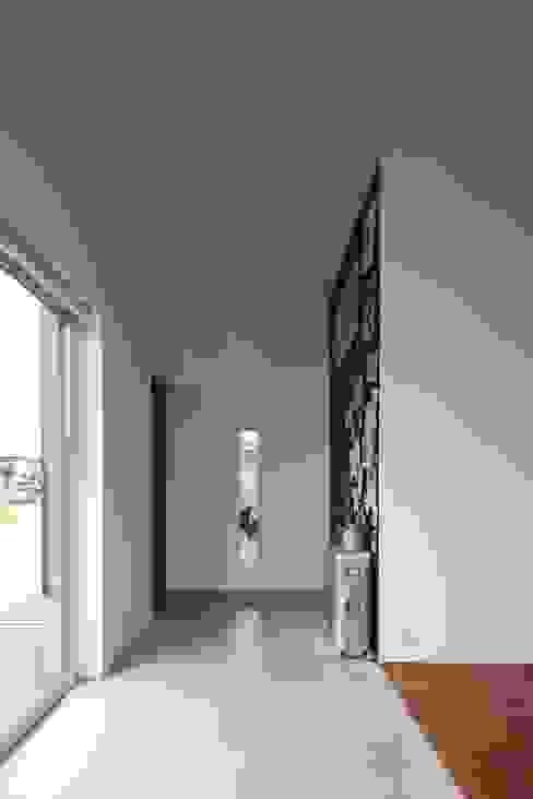 غرفة المعيشة تنفيذ 株式会社コウド一級建築士事務所, حداثي