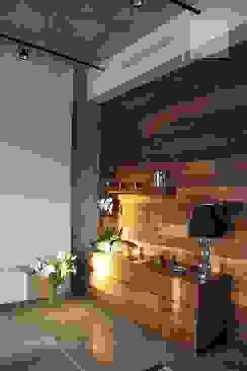 Salas de estilo industrial de Orlova Home Design Industrial
