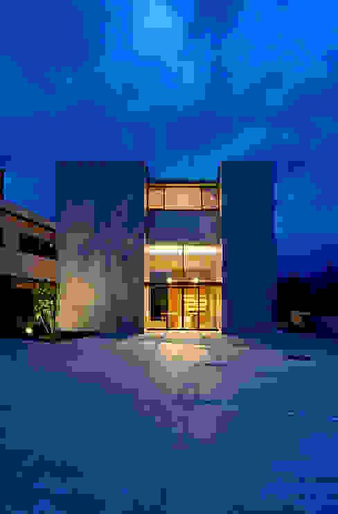 Maisons modernes par 株式会社ミユキデザイン(miyukidesign.inc) Moderne