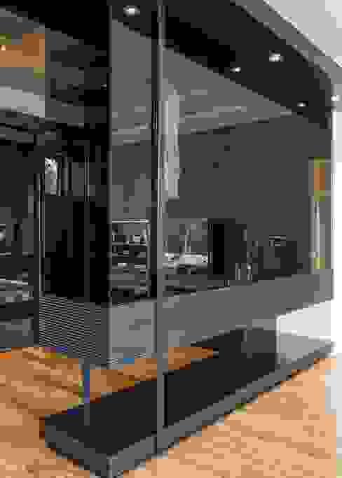 House in Blair Atholl Ванная комната в стиле модерн от Nico Van Der Meulen Architects Модерн