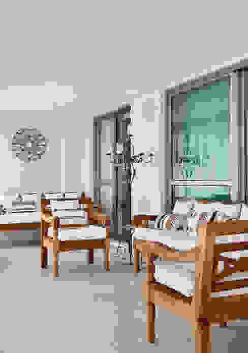 Ana Adriano Design de Interiores Balkon, Beranda & Teras Gaya Eklektik