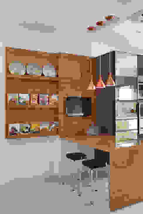 Apartamento na Barra da Tijuca Ana Adriano Design de Interiores Cozinhas modernas