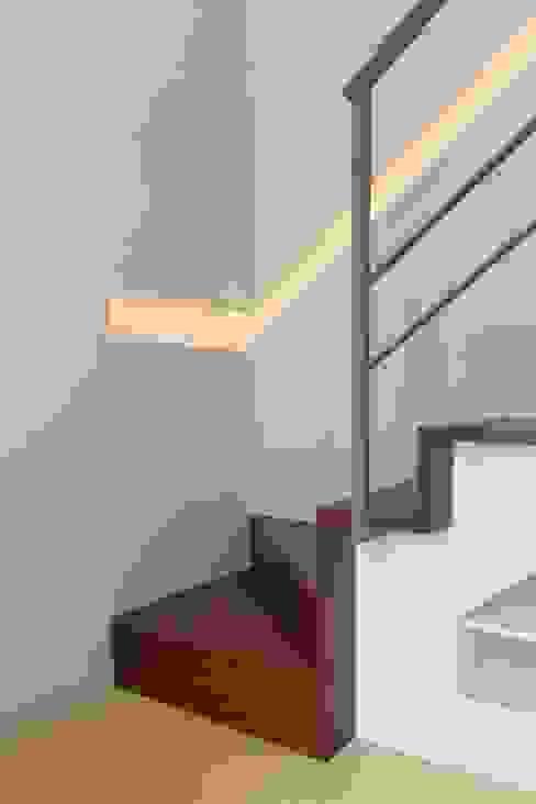 Turismo rural Casas da Vereda Corredores, halls e escadas minimalistas por Mayer & Selders Arquitectura Minimalista