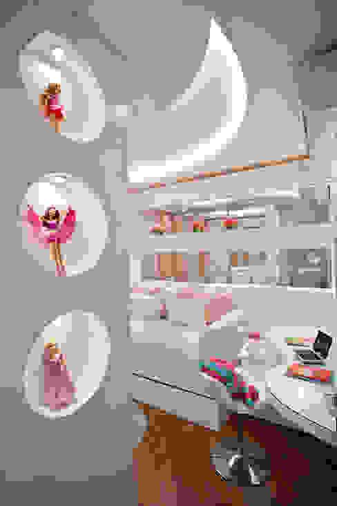 Nursery/kid's room by Designer de Interiores e Paisagista Iara Kílaris, Modern