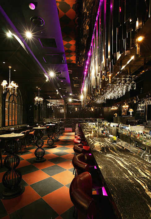 Bars & clubs by CHIHO&PARTNERS,