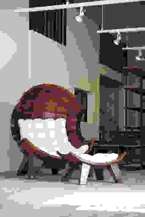 segment chair_03 : saeromyoon의  거실