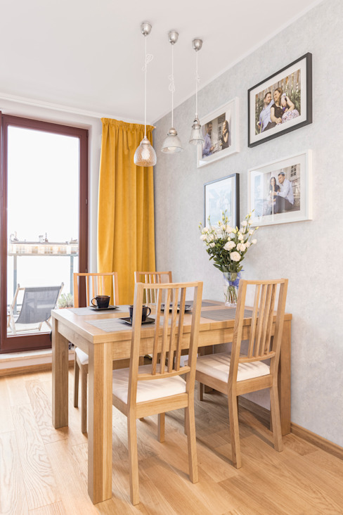 MIESZKANIE 74 M2 Minimalistyczny salon od KRAMKOWSKA|PRACOWNIA WNĘTRZ Minimalistyczny