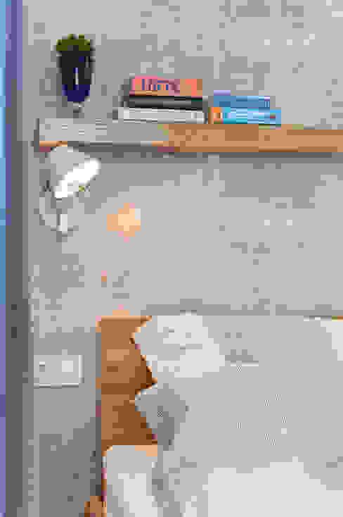 Minimalist bedroom by KRAMKOWSKA|PRACOWNIA WNĘTRZ Minimalist