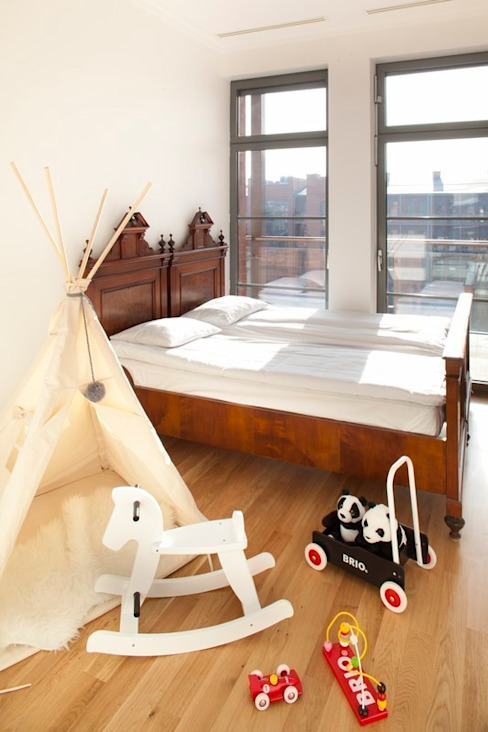 Loft City Park Poznań Minimalistyczna sypialnia od atoato Minimalistyczny