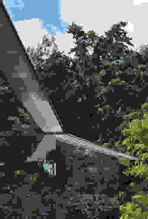 The new Summerhouse Modern houses by Ullmayer Sylvester Modern