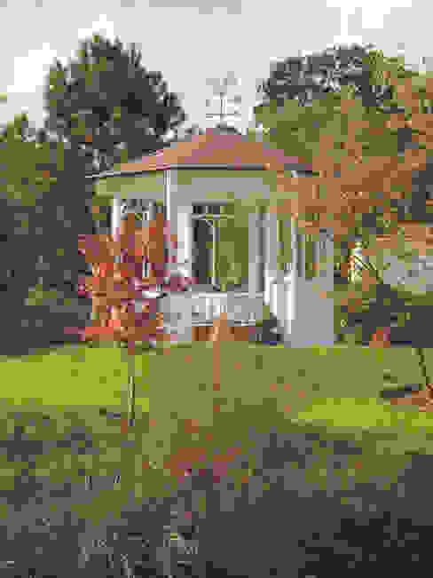 """Der WOGA Gartenpavillon """"Romantic"""" ein echtes Allround-Talent von WOGA Gartenpavillon Landhaus"""