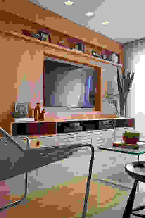 Salones de estilo moderno de Coutinho+Vilela Moderno