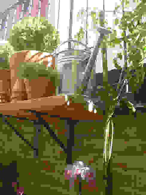 Modern Garden by Línea Paisagismo.Claudia Muñoz Modern