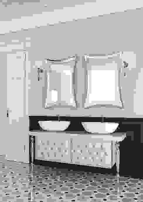Bathroom by La Bussola