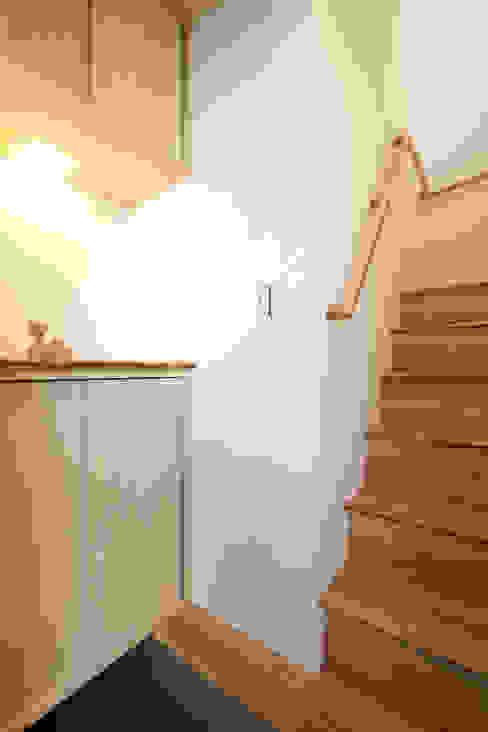 久が原の家: 光風舎1級建築士事務所が手掛けた廊下 & 玄関です。,北欧