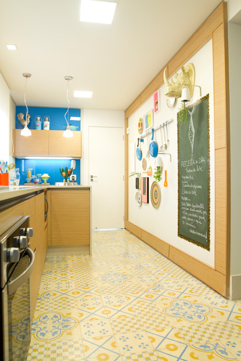 Apartamento em Perdizes Cozinhas modernas por Lovisaro Arquitetura e Design Moderno