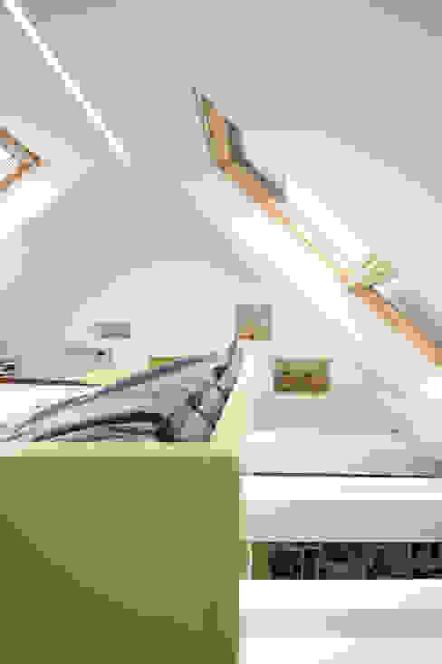 Dachstudio Hamburg Moderne Fenster & Türen von DODK Architekten BDA Modern