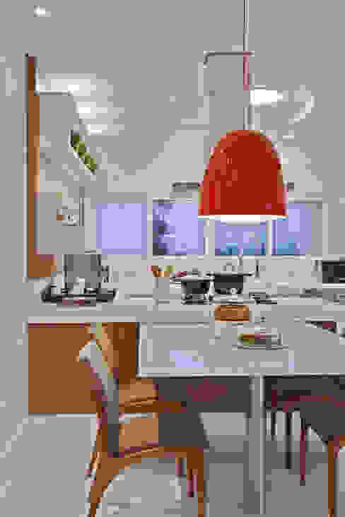 Moderne keukens van Arquiteto Aquiles Nícolas Kílaris Modern
