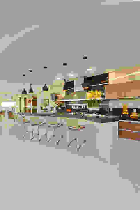 Arquiteto Aquiles Nícolas Kílaris 現代房屋設計點子、靈感 & 圖片