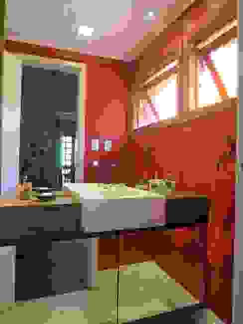 Lavabo Banheiros rústicos por Paula Szabo Arquitetura Rústico