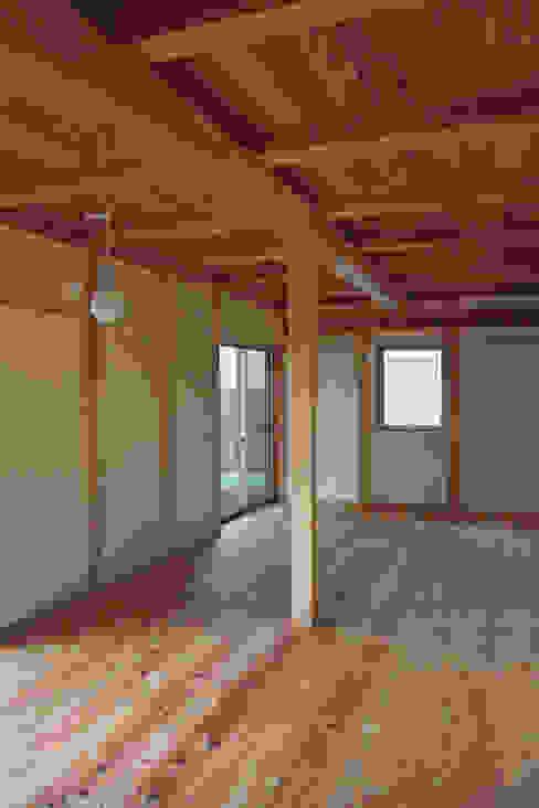 寝室1 オリジナルスタイルの 寝室 の 「有」ひなたの場所 建築設計事務所 オリジナル
