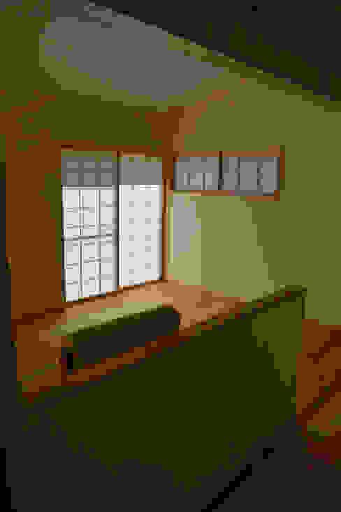 障子1 オリジナルデザインの リビング の 「有」ひなたの場所 建築設計事務所 オリジナル