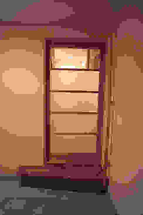 玄関1 オリジナルな 窓&ドア の 「有」ひなたの場所 建築設計事務所 オリジナル