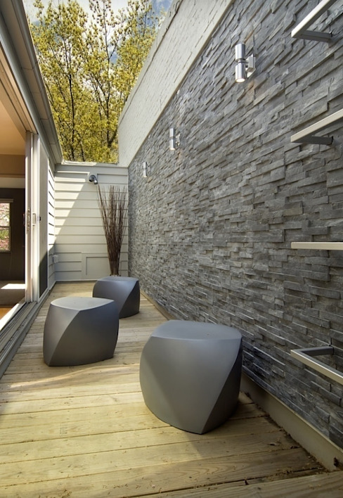 Modern Terrace by Ecologic City Garden - Paul Marie Creation Modern