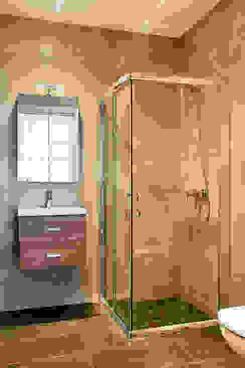 rehabilitación casa en Barcelona GPA Gestión de Proyectos Arquitectónicos ]gpa[® Baños de estilo mediterráneo