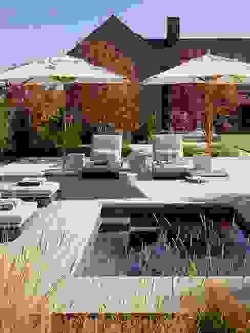 Piscinas de estilo clásico de Ecologic City Garden - Paul Marie Creation Clásico