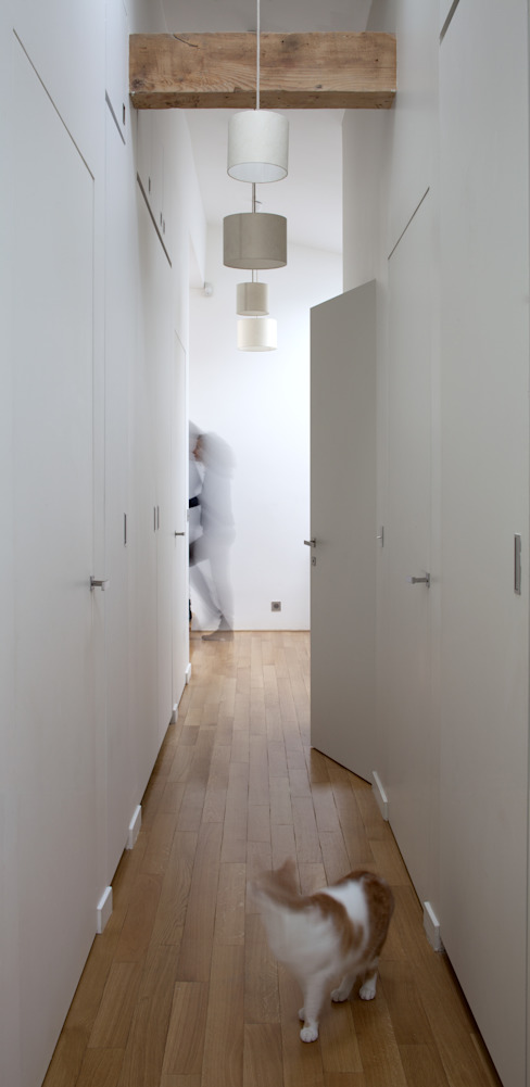 Minimalist dressing room by Atelier architecture située Minimalist