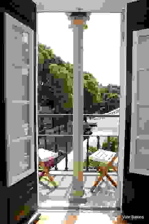 Villa Vasco da Gama | Guest House | Cascais: Terraços  por shfa,Clássico