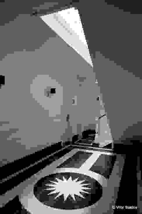 Pasillos y vestíbulos de estilo  de shfa, Clásico